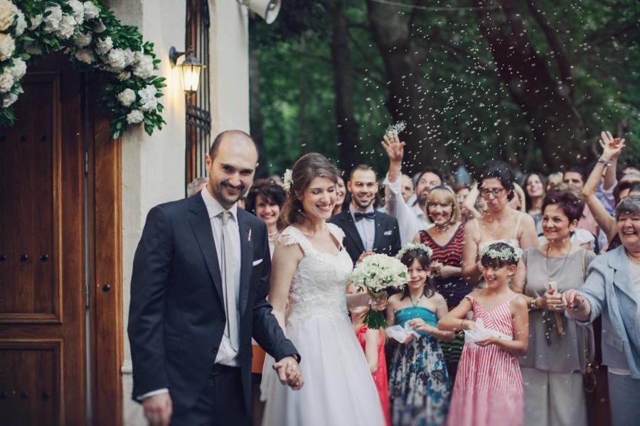 Φωτογραφίες γάμου στο εκκλησάκι του Άγιου Νικόλαου στην Νάουσα.